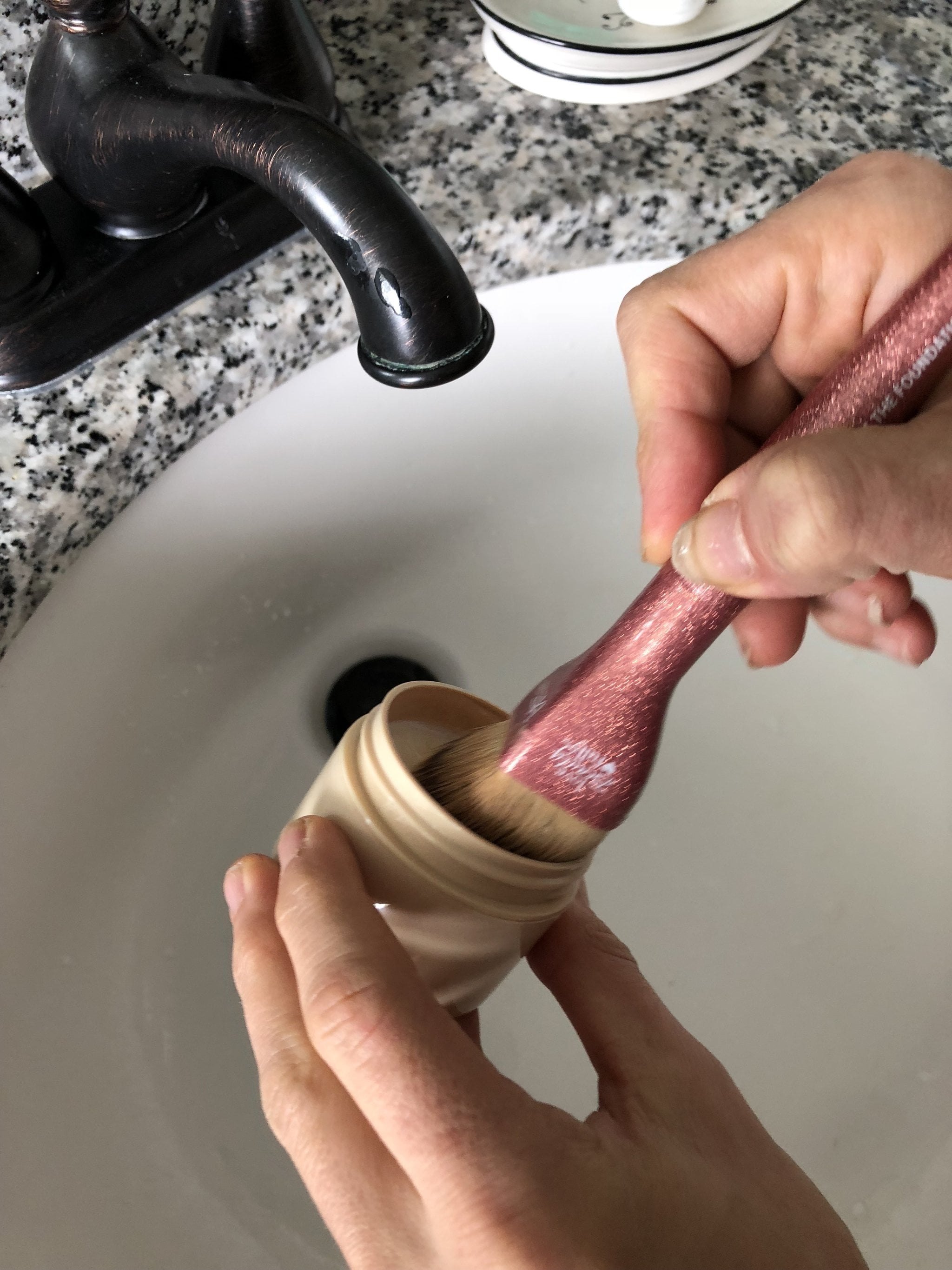 Attention: This Makeup Brush Cleaning Hack Will Change Your Life