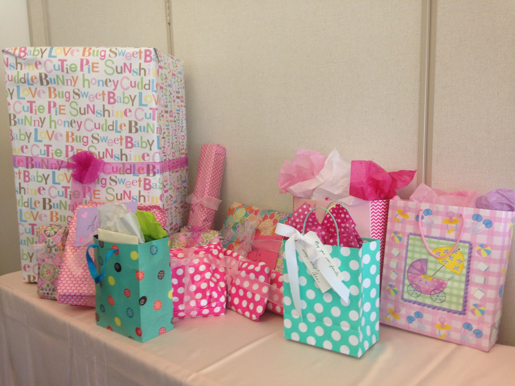 How Much Should You Spend On A Baby Shower Gift Popsugar Moms