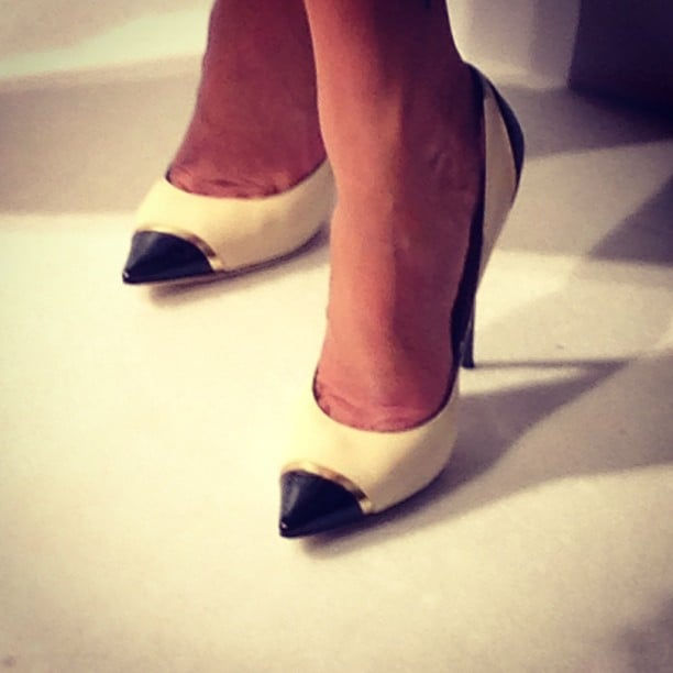 Zoom in on Megan Gale's perfect pointy pumps — cool, no?