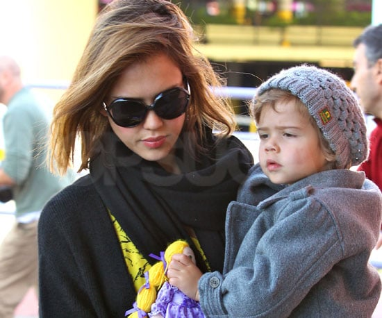Slide Picture of Jessica Alba and Honor Warren Shopping in LA
