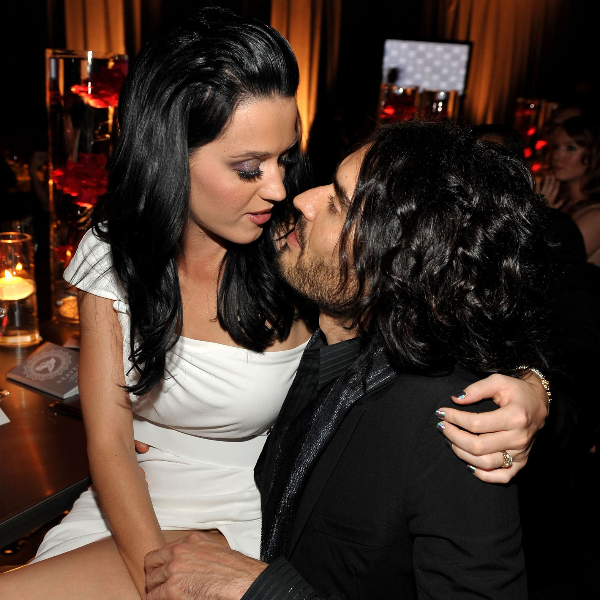 Who s russell brand dating who