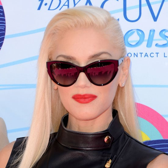 We loved Gwen Stefani's sleek side part, but it was her matte red-orange lip against those cool cat-eye sunglasses that had us drooling.