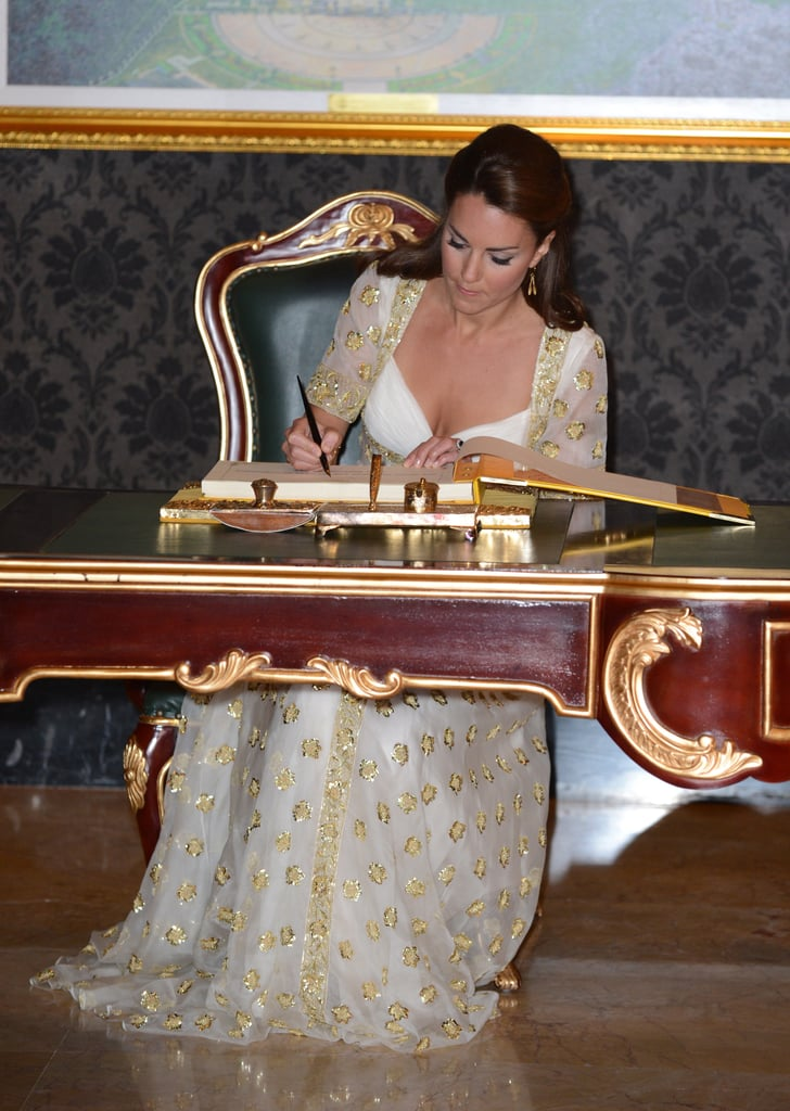 Kate Middleton signed the visitors' book.