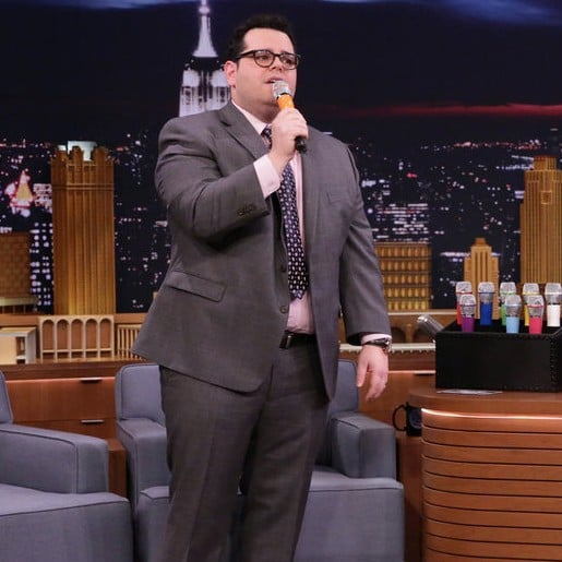 Josh Gad Playing Box of Microphones on Jimmy Fallon 2017