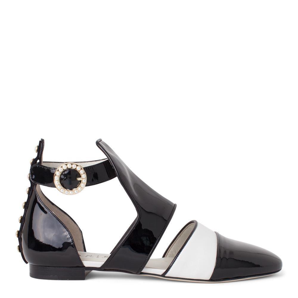 The Contessa in Black Midnight Gloss/Clean White