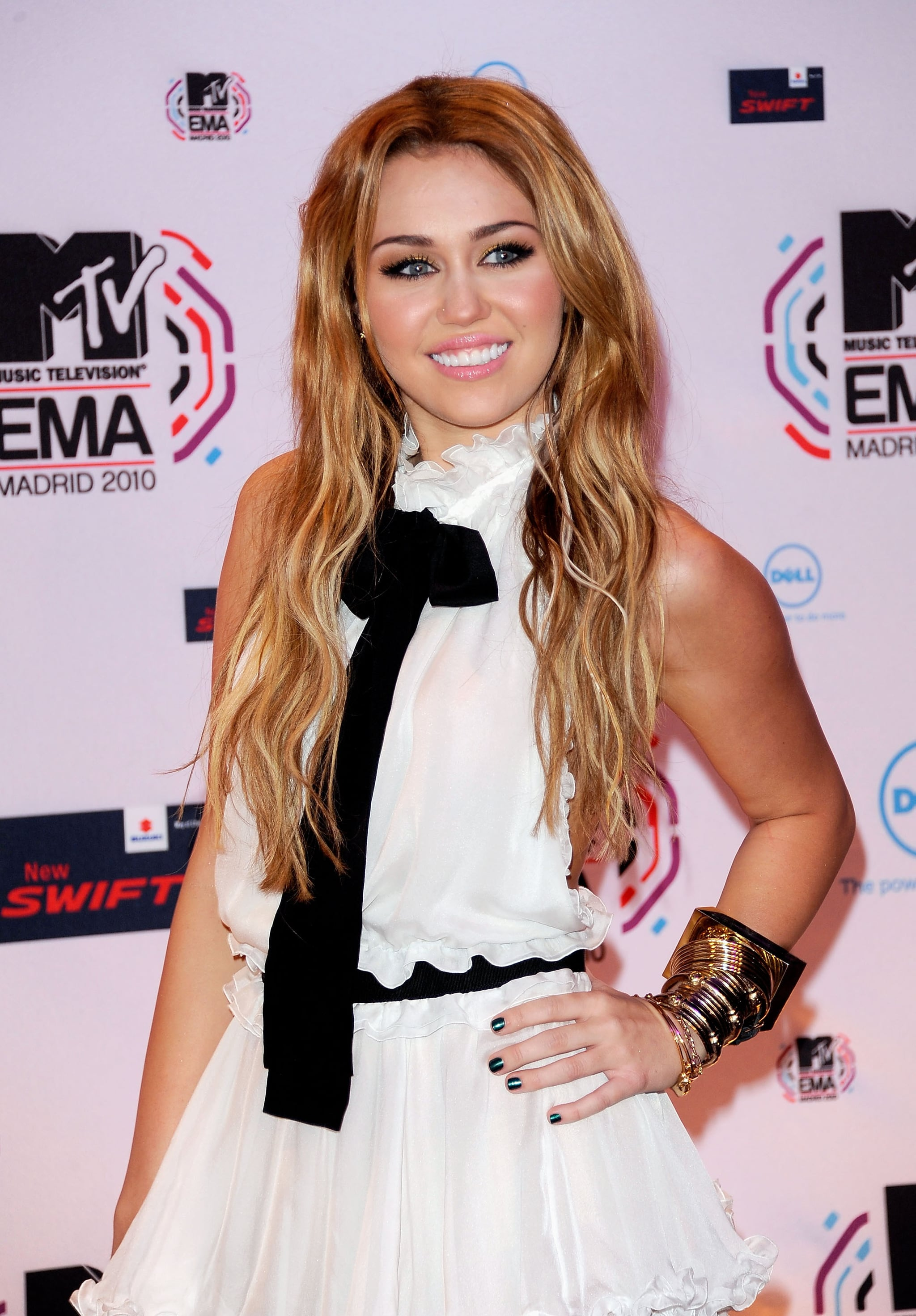 Miley cyrus ema awards are