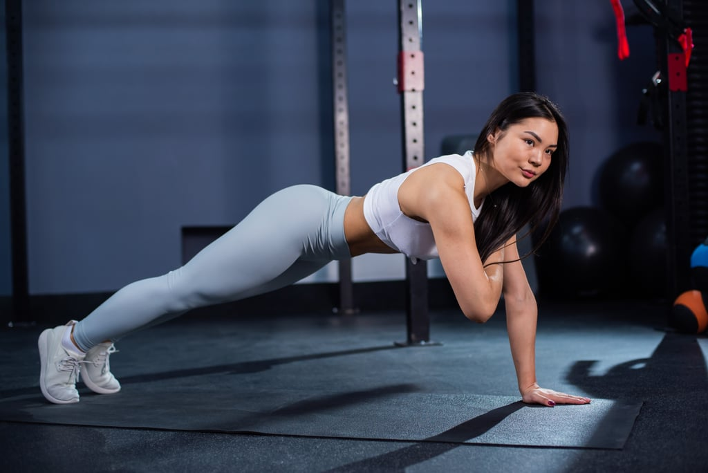 These Are the 35 Top Bodyweight Ab Exercises to Chisel Your Core
