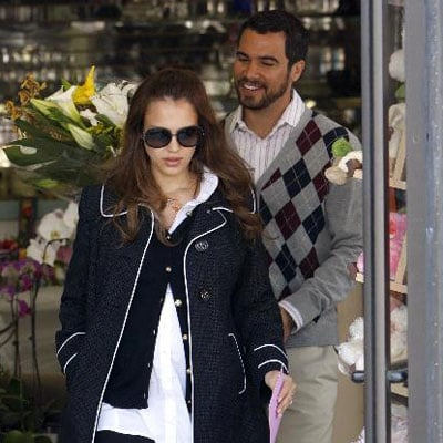 Jessica Alba and fiance Cash Warren Buy Flowers