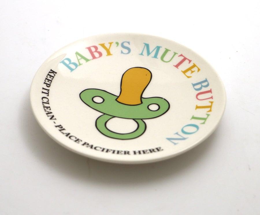 Baby's Mute Button Holder