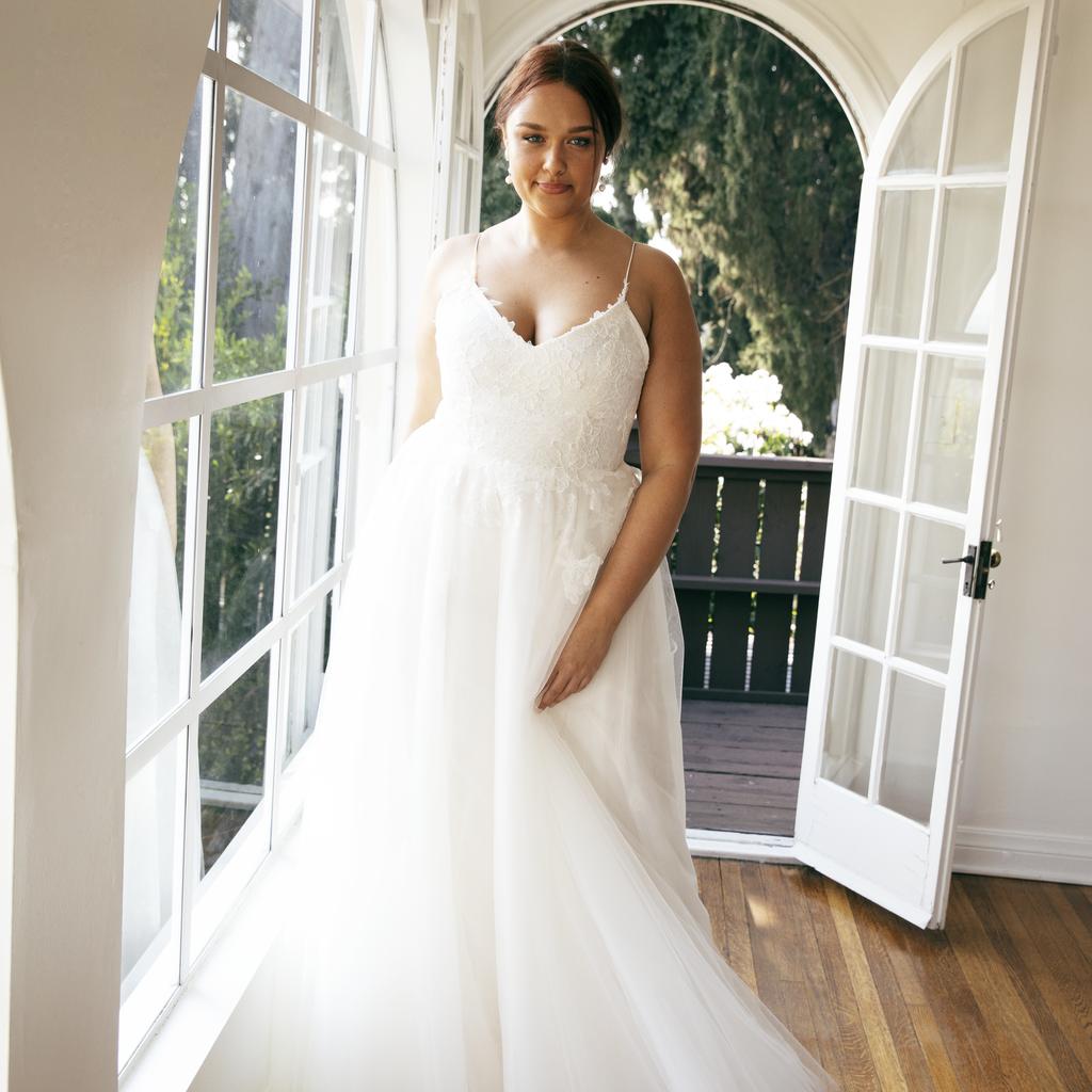 Best Plus Size Wedding Dress Brands 18   POPSUGAR Fashion