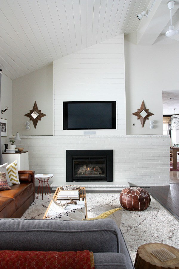 This designer-worthy DIY will camouflage your tv! Source: House*Tweaking