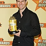 Tom Cruise showed off his award-winning smile to accept his golden popcorn at the 2001 MTV Movie Awards.