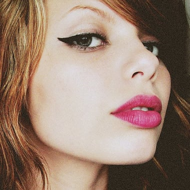 How to Make Winged Eyeliner Easy