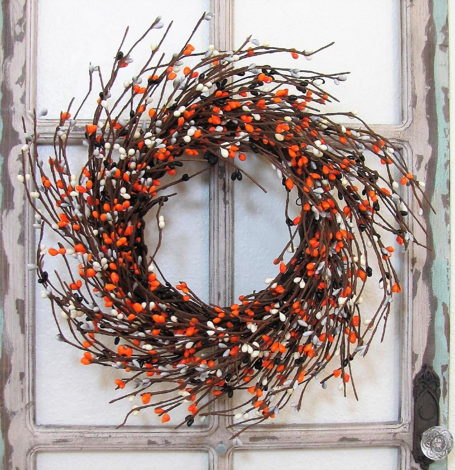 40 Spooky And Festive Halloween Wreaths Popsugar Home