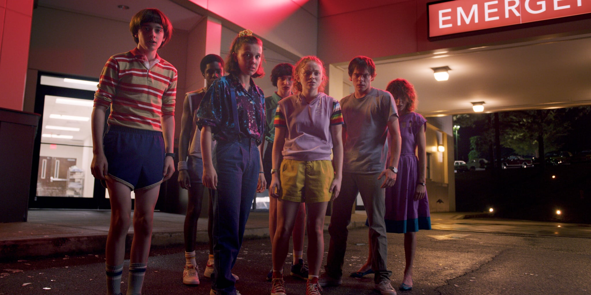 STRANGER THINGS, from left: Noah Schnapp, Caleb McLaughlin, Millie Bobby Brown, Finn Wolfhard, Sadie Sink, Charlie Heaton, Natalie Dyer, (Season 3, aired July 4, 2019), ph: Netflix / Courtesy Everett Collection