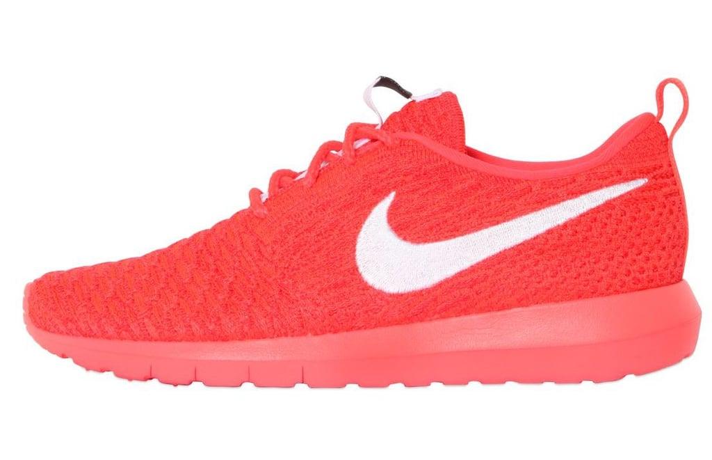 Nike Roshe Flyknit Sneakers