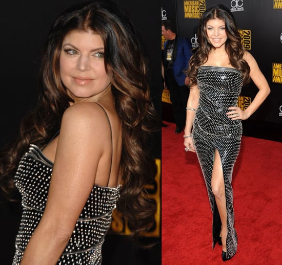 Photos of Fergie at the 2009 American Music Awards 2009-11-22 16:55:06