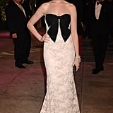 Anne looked pretty in bow-adorned Valentino for the 2007 Vanity Fair Oscar party.
