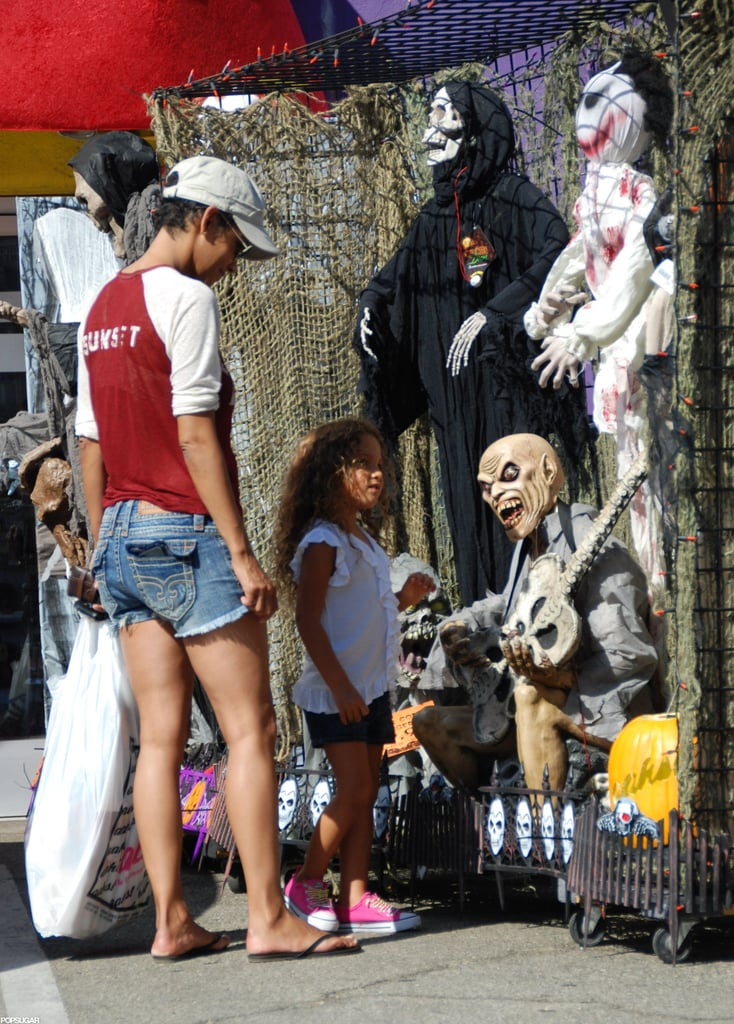 Halle Berry and Nahla checked out Halloween costumes in LA.