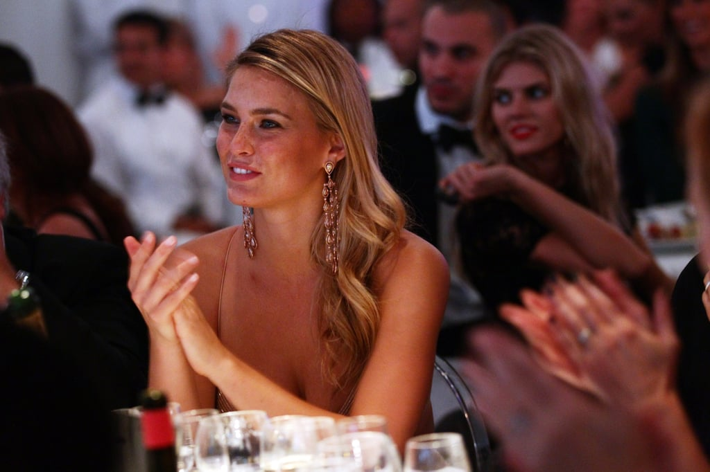 Bar Refaeli clapped throughout the dinner.