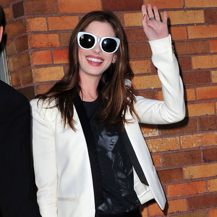 Anne Hathaway And Adam Shulman Shared A Kiss In Manhattan: Pictures Of Anne Hathaway At Daily Show With Jon Stewart