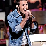 Kris Allen was all smiles during his performance.