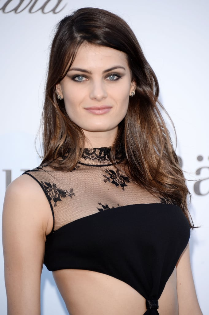 Model Isabeli Fontana's intense taupe cat-eye shadow was a sexy look for a night along the French Riviera.