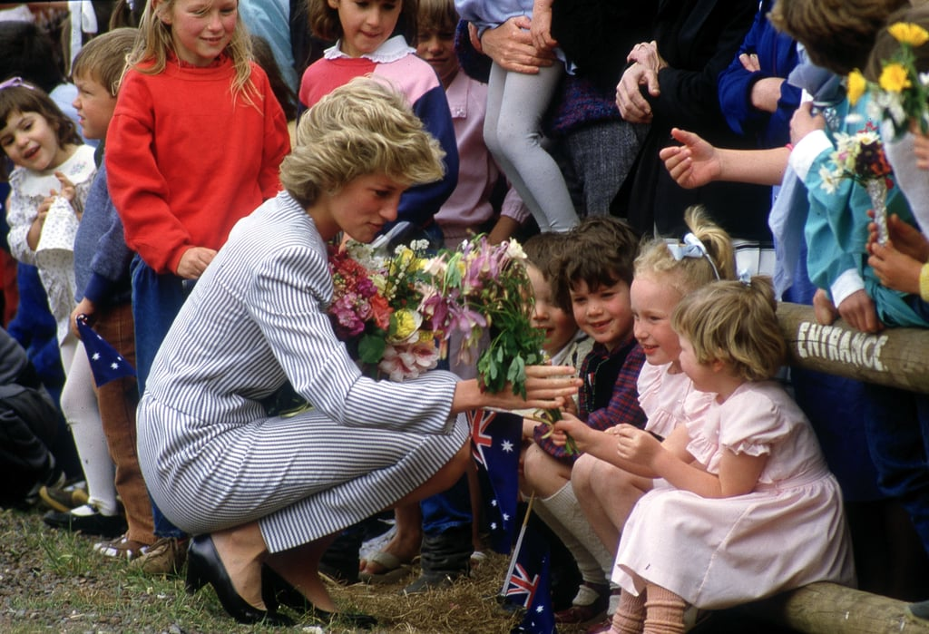 Diana met with local children during a visit to Macedon, Victoria, in November 1985.