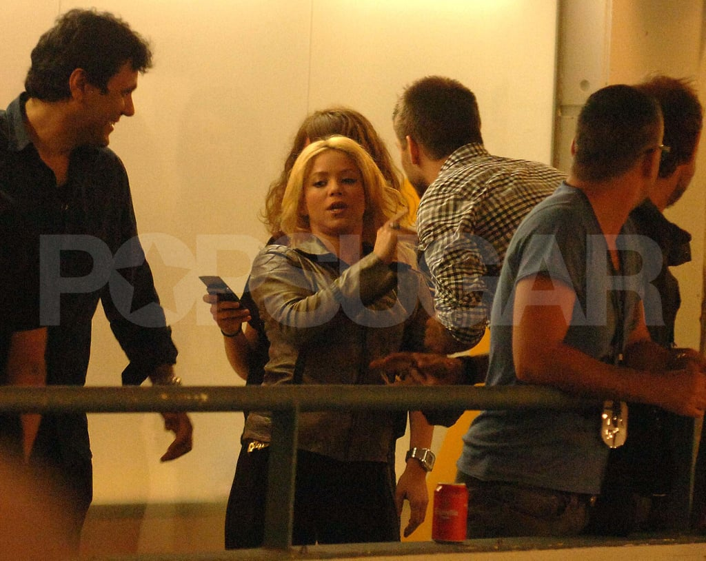 Shakira and Her Boyfriend, Gerard Piqué, Celebrate His Soccer Win With a Sexy Kiss