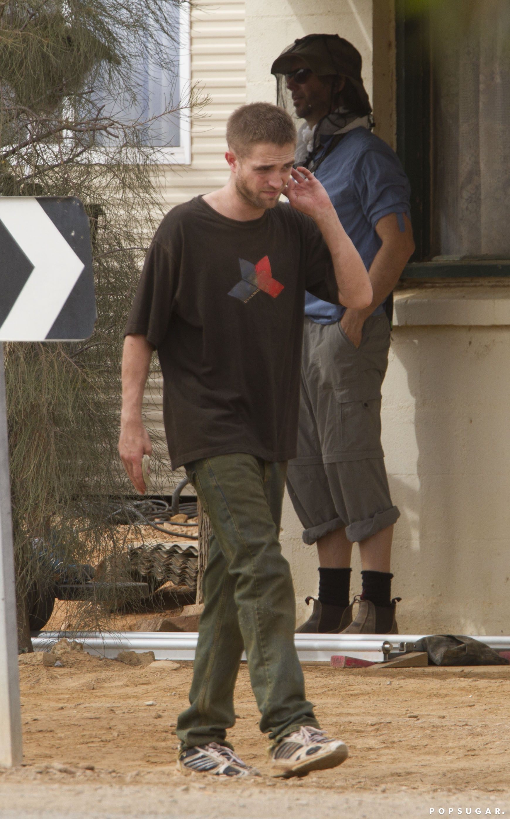 Robert Pattinson showed off a grunge makeover on the set of The Rover in Australia.   Source: MediaMode