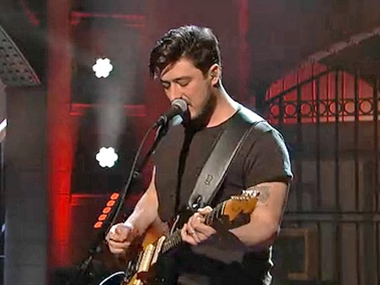 Watch a Plugged-In Mumford & Sons Play 'The Wolf' on SNL (VIDEO)