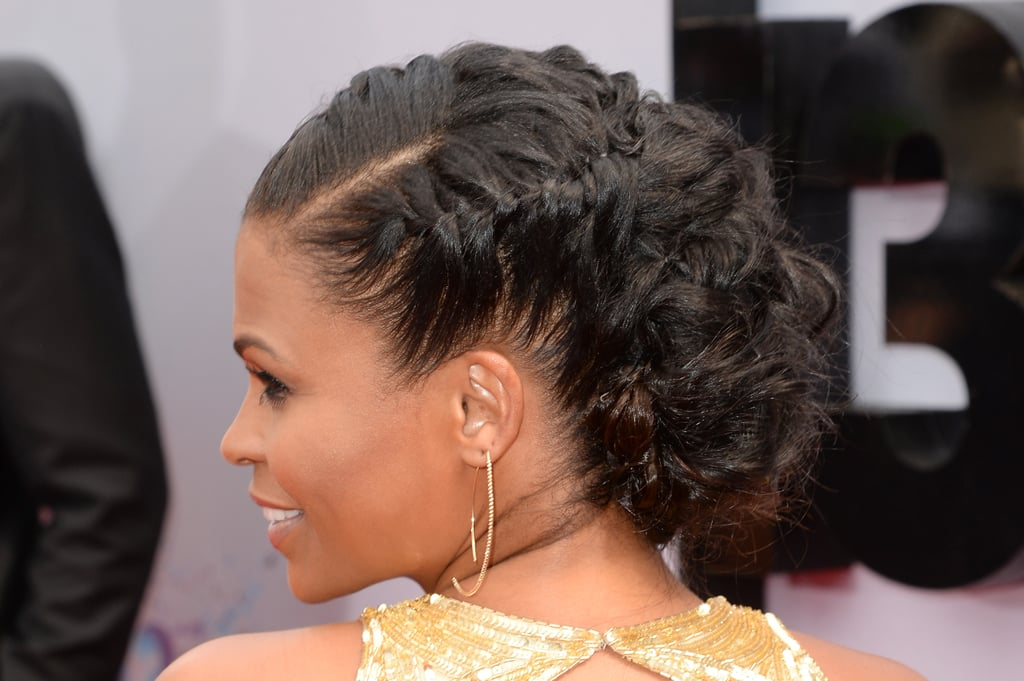 Nia's intricate, braided updo wasn't short on texture.