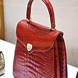 """حقيبة يد Princess Diana حمراء بتصميم جلد التمساح – يمكنكِ شراؤها من علامة """"لانا ماركس  (السعر عند الطلب)"""