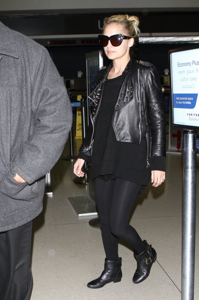 Nicole Richie landed at LAX wearing a studded leather jacket and sunglasses last night. She returned home after a quick trip to NYC, where she was a cohost on The View. Nicole shared her opinions on the hot topic of Charlie Sheen's sobriety during the show, and also helped interview No Ordinary Family star Michael Chiklis. She's been juggling her family and fashionable endeavors lately, hopping between the East and West Coasts to promote her two lines and spend time with Harlow and Sparrow. Nicole manages to make her busy schedule work, though, and her low-maintenance beauty routine probably helps make traveling even easier.