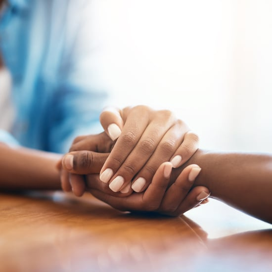 Study Shows Holding Hands Can Relieve Pain