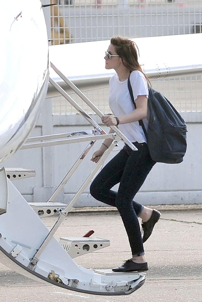 Kristen Stewart boarded a private jet.