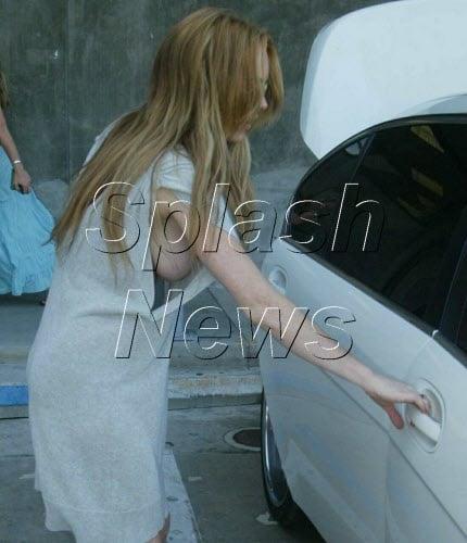 Properties leaves, Lindsay lohan boob pop for