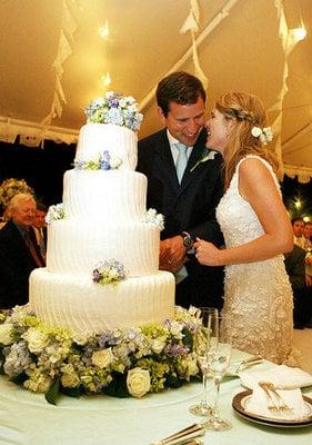 Jenna Bush's Wedding Cake: Love It or Hate It?