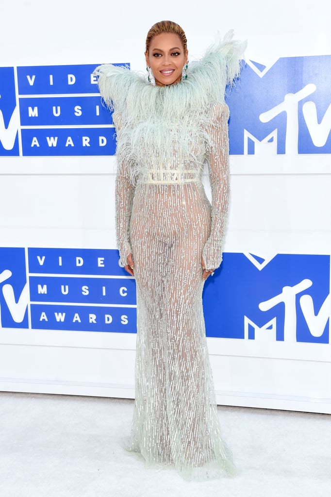 VMAs 2016 Red Carpet Dresses