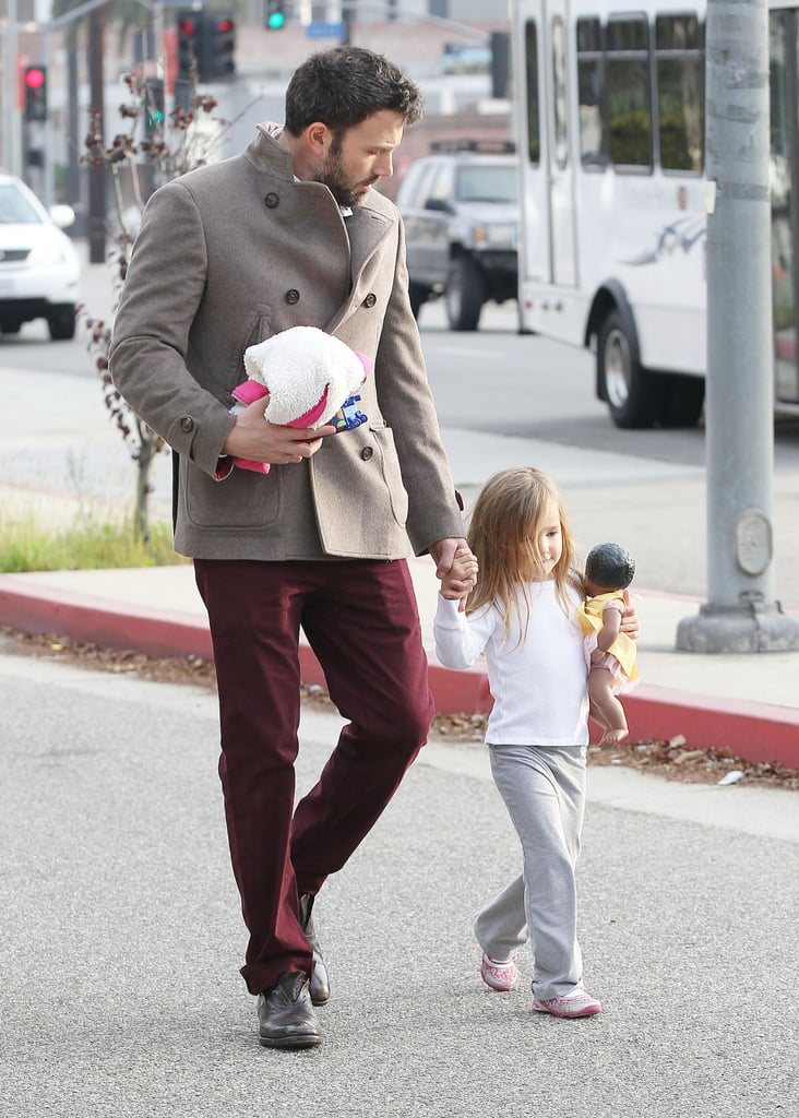 Ben Affleck walked with his daughter in LA.