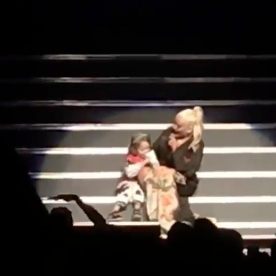 Christina Aguilera Sings With Her Daughter on Tour 2018