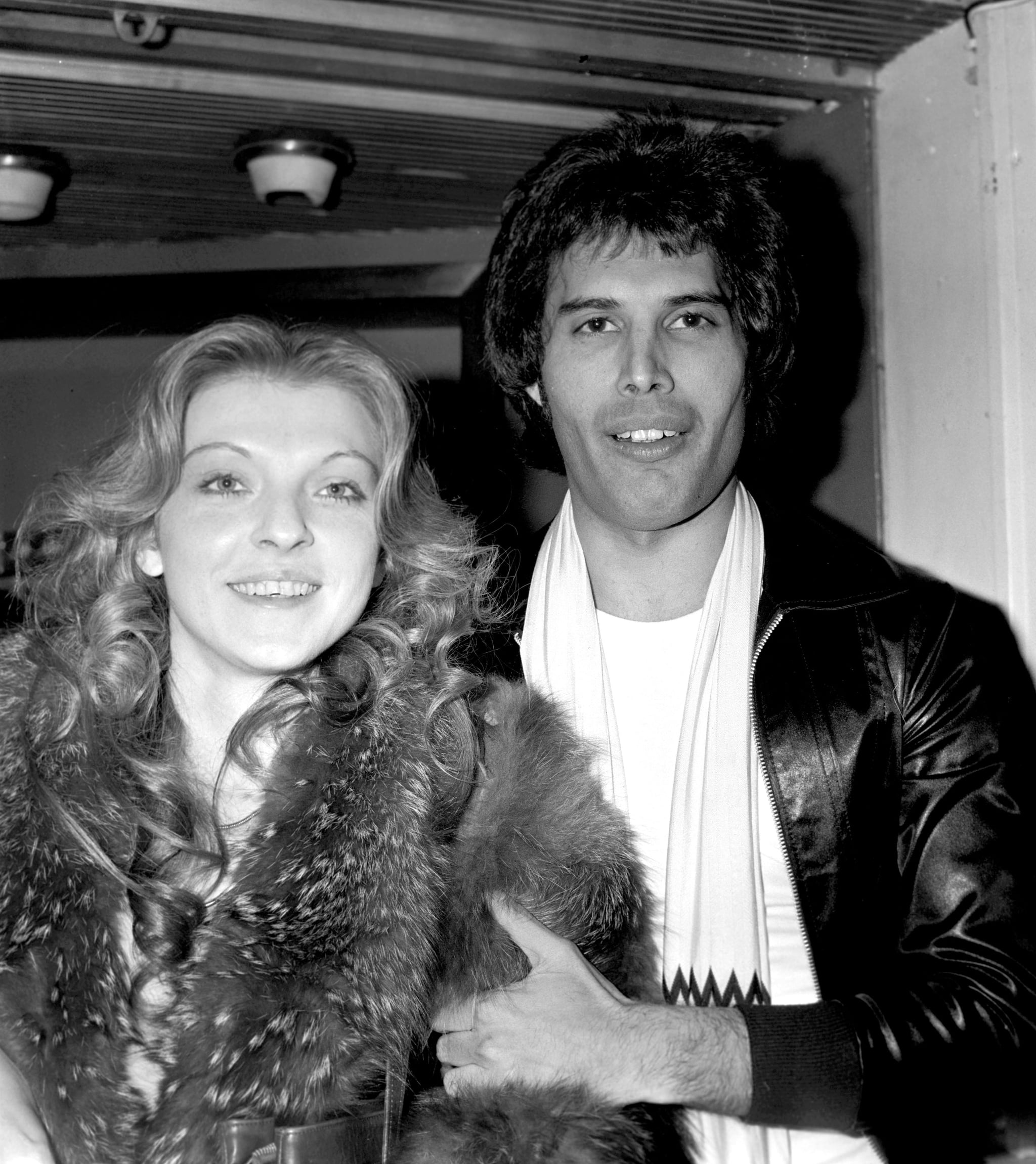 Singer Freddie Mercury of Queen photographed in September 1977 with his girlfriend Mary Austin;  (Photo by Monitor Picture Library/Photoshot/Getty Images)