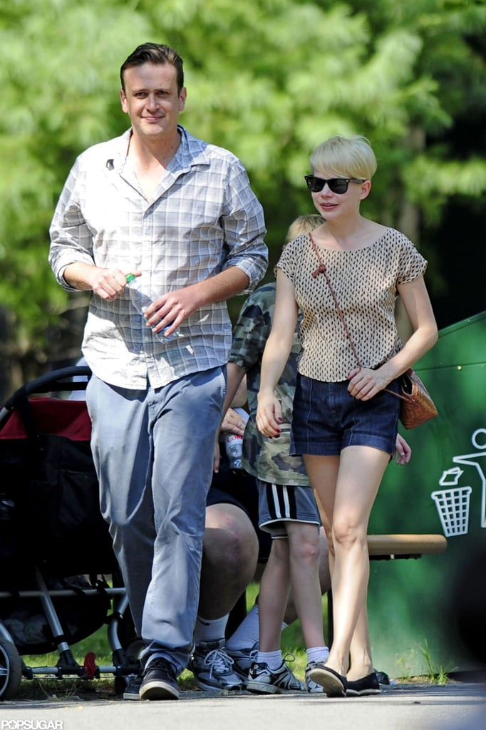 Michelle Williams and Jason Segel went to the Bronx Zoo with Matilda.