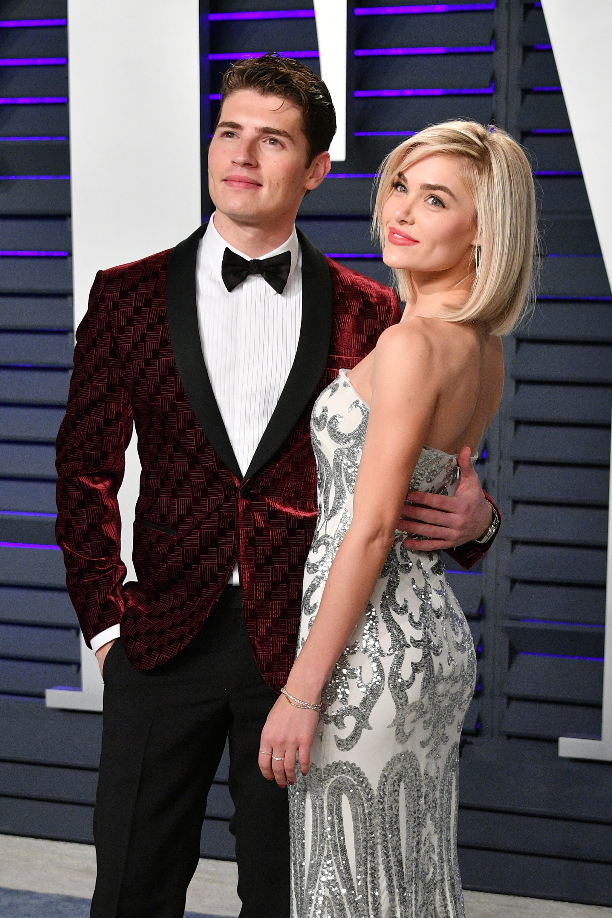 BEVERLY HILLS, CA - FEBRUARY 24:  Gregg Sulkin and Michelle Randolph attend the 2019 Vanity Fair Oscar Party hosted by Radhika Jones at Wallis Annenberg Center for the Performing Arts on February 24, 2019 in Beverly Hills, California.  (Photo by Dia Dipasupil/Getty Images)