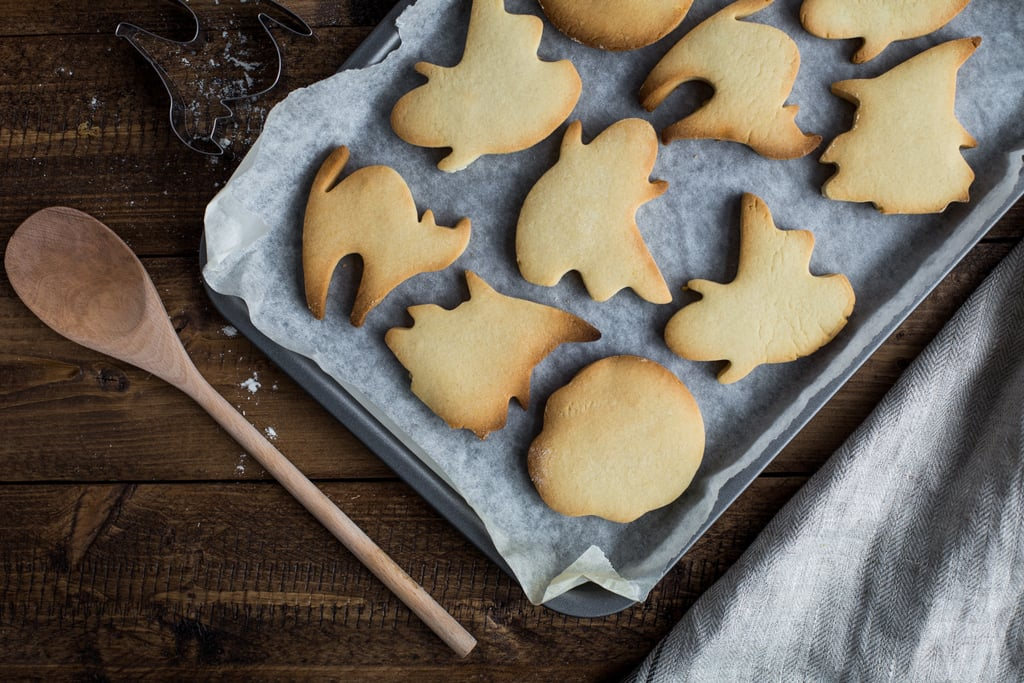 Decorate Halloween-Themed Cookies