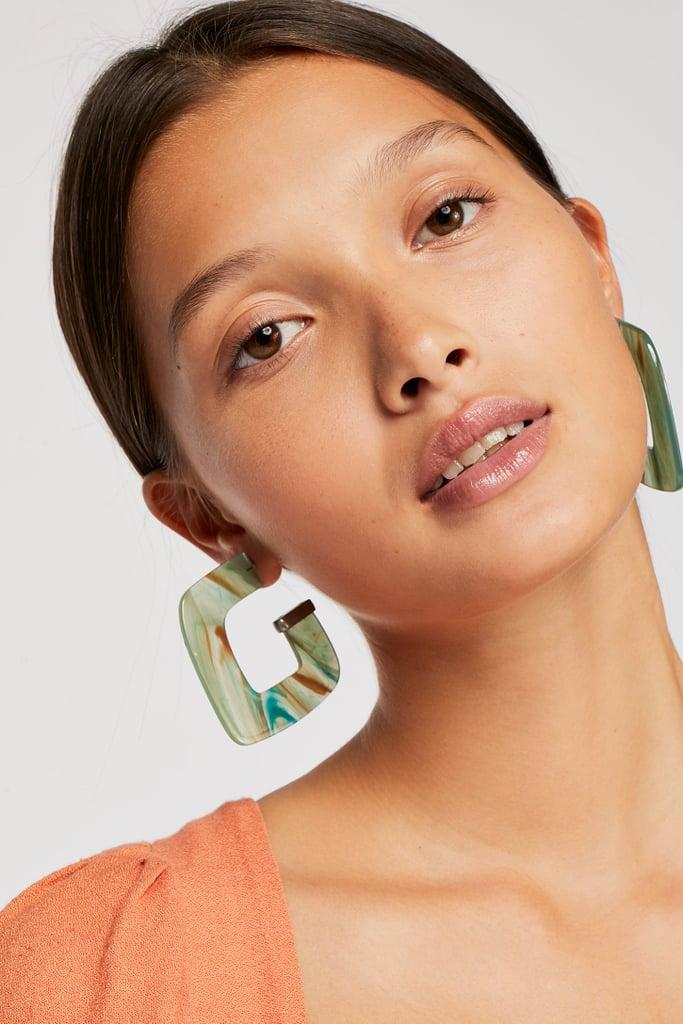 Berry Faraway Resin Hoop Earrings