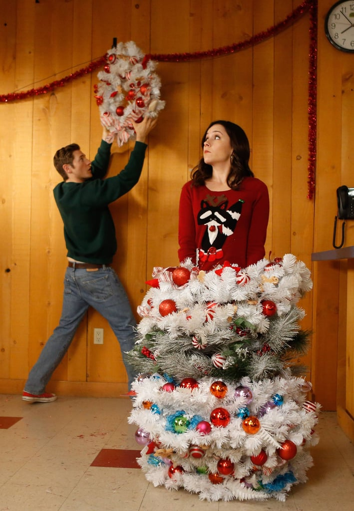 Raising Hope Jimmy (Neff) and Sabrina (Woodward) help set up the Christmas festival.