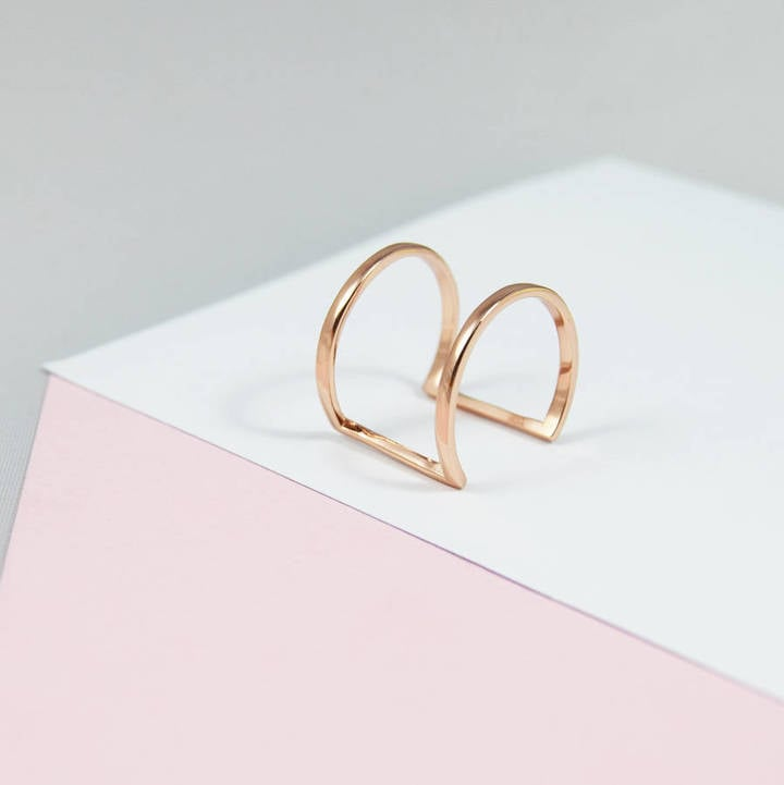 M M I N I M A L Double Bar Minimalist Curve Ring (£27)