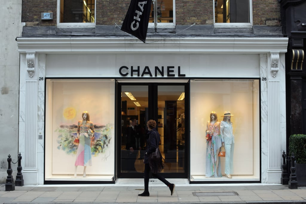 During World War II, Chanel closed her salon.