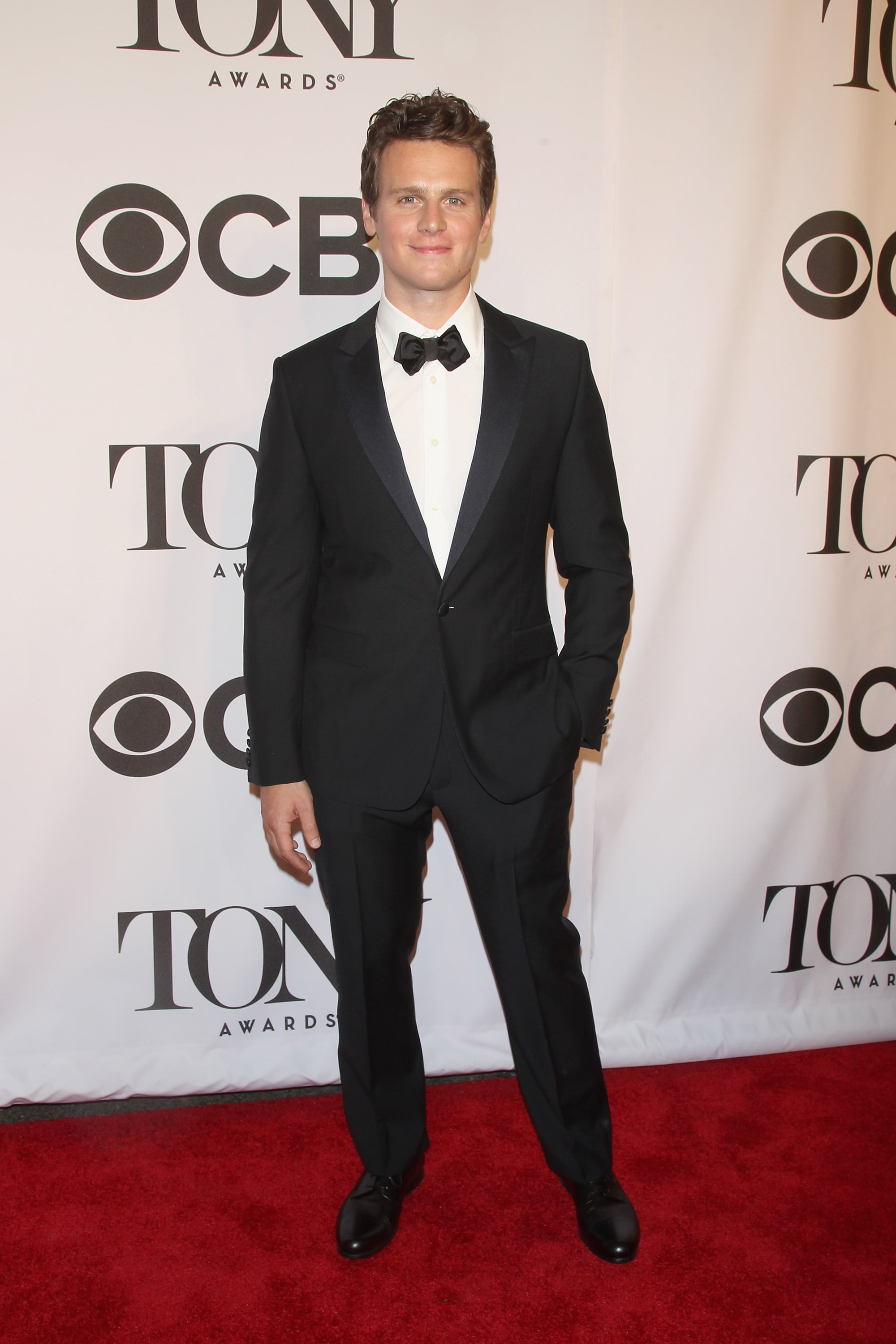 Jonathan Groff looked handsome in his tuxedo.
